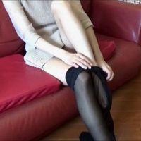 肌色から黒の『パンスト』に履き替え【脚・足フェチ】[フルHD]