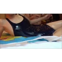 【変態マッサージ師】スクール水着の女性にローションをつけて[素人コスプレ個人撮影]
