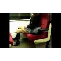 【怒Sオリジナル】電車内盗撮・・・正真正銘素人の太もも