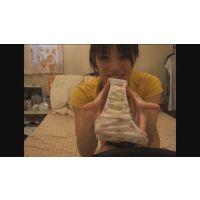 [パンツ染み] スタイル抜群! 渋谷の某有名ショップ店員の自宅自撮りオナニー