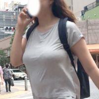 ぱない!肥大化乳房の着衣爆乳様が登場!