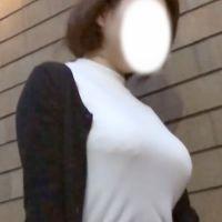 雌オーラ出まくりの着衣巨乳ママと、ロケット型着衣巨乳OL様のセット!