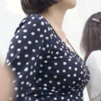 夏のオワン型着衣巨乳様にメロメロ!