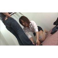 試着室で興奮しちゃった女性販売員!File.3