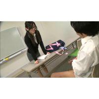 好きなコの縦笛でセンズリぶっこいてたら、それをガン見していたメガネの巨乳な美人教師が発情した!