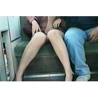 痴漢電車,真向かい席で美脚美人が中年オヤジにに陵辱→ヤリ過ぎ逃亡!