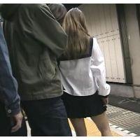レディース2人が獲物JKセーラー服コスで電車レイプ痴漢ハメ撮り屈辱!