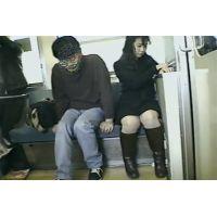 ガチ借金妻が街金の紹介で痴漢電車Vを撮影家庭には子供もいます(;_;)