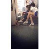 【電車内】眼鏡っ娘のふともも