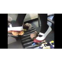 ブーツ、スニーカー、上履きのエレクトーン VOL1