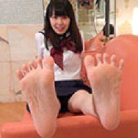 【足フェチ】あさみちゃんの恥ずかしい脚・足裏・足の動きをじっくり観察
