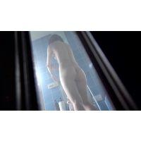 プリケツ女子のシャワーをローアングルから攻める。