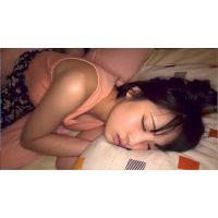 酔いつぶれて寝た女子を男2人で眠姦。大きいおっぱいって最高ですね。