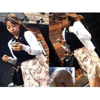 東京にいる花柄パンツのかわいい子盗撮!!