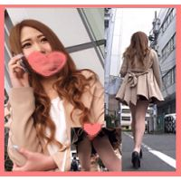 【4K】笑顔かわいい美脚キャバ嬢?ちゃん♫♫ぷりっぷりなお尻とサテンオレンジp盗撮