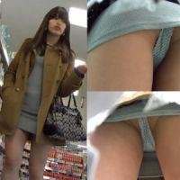【盗撮】JD1年生!?アジアン美女の食い込み縞パンツGET!