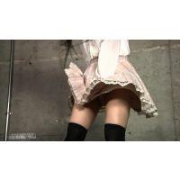 風のイタズラ!スカートめくりパンチラ2(2名)