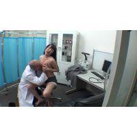 盗撮風 乳首で悩める女子をだましてSEX治療2