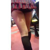 【HD画質】パチンコ店 超ミニスカキャンギャル♪