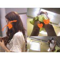 【会社の休み時間 盗撮】巻き髪OLのセクシー白パンティーをゲット!!★