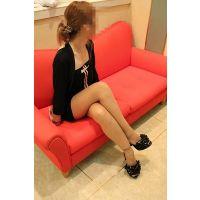 【高画質/大サイズ】23歳キャバ嬢の柄&黒ストッキング美脚接写