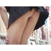地方の女子○生のスカートの中は・・・?驚愕の・・・!!