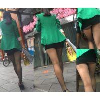 【はみパン盗撮!】お姉さん、タイト過ぎるスカート捲れて見えちゃってますよwwwww!!
