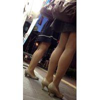 OLさん二人の足