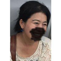 熟女痴漢:40代赤面うつむき
