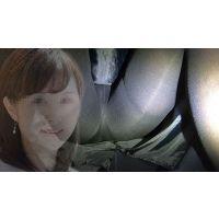 【机下パンチラ】某自動車メーカー新車発表会出演の司会業