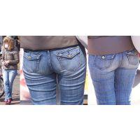 ショートカットの美形ママさんはパンパンに張ったジーンズでヒップラインがクッキリと丸出しになる!!
