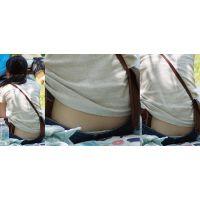 真面目で優しそうな可愛い若ママさんはジーンズの腰から蒸れたガードルショーツをチラチラと覗かせてくれる!!