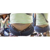 優しそうで健康的な可愛いママさんはジーンズの腰から蒸れたガードルショーツをガッツリと覗かせてくれる!!