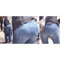 真面目そうで可愛い奥様はショートガードルで補正したまん丸のジーンズ美巨尻をパンパンに張って強調させる!!