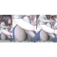 色白で可愛いお姉さんは美脚を包む極薄パンストのをチラチラと覗かせる!!