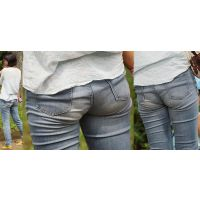 清潔感溢れる長身で優しそうな美形ママさんはジーンズ美尻に喰い込んだパンティーのラインをクッキリと浮かび上がらせる!!