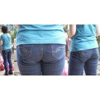 真面目で可愛いママさんは汗ビッショリでフルバックパンティーもジーンズも巨尻に張り付いてまん丸ヒップライン丸出しにしてくれる!!