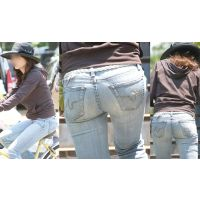 高級感たっぷりの美形セレブ奥様は最高のスタイルで形の良い美巨尻をジーンズでしっかりと包む!!