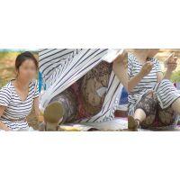 【後編】爽やかでムチムチした笑顔が可愛い若ママさんはレギンスの奥で蒸れたシマシマの綿パンティーをガッツリと覗かせてくれる!!