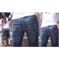清潔感溢れる長身の若ママさんは汗を掻いて喰い込んだパンティーのラインをジーンズ美尻に浮かべて魅せ付けてくれる!!