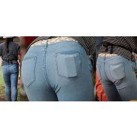 真面目で優しそうな美形奥様はジーンズ美尻に喰い込んだガードルのラインを薄っすらと浮かび上がらせる!!