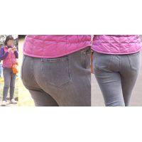 優しそうで可愛いムッチムチのママさんは爆尻でパッツンパッツンになったジーンズ巨尻をしっかりと魅せてくれる!!