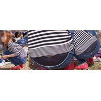 元気で健康的な可愛い若ママさんはジーンズの腰から蒸れた黒いロングガードルをガッツリと覗かせてくれる!!