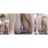 色白で優しそうな可愛い若ママさんはショートパンツが喰い込んでモッコリした股間をガッツリと覗かせてくれる!!