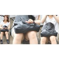 モチモチ色白美肌の優しそうで可愛いお姉さんはスカートとパンスト奥で恥ずかしく蒸れたパンティーをチラチラと覗かせてくれる!!
