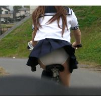 自転車パンチラ訳してチャリチラ!5