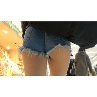 【FHD 60fps動画】ナマ脚!美容学生のショーパンハミ尻