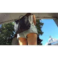 【FHD 60fps動画】細身ショーパンギャルの下尻