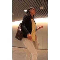 【FHD 60fps動画】高級人妻のピタピタ白パン