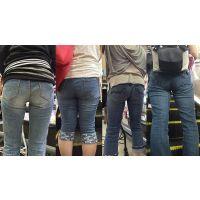 【ママ尻】柔らかい尻肉を包み込む履き込んだジーンズ